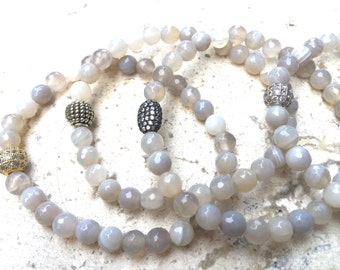 Light Gray Agate Stone Bracelet, for Focus and Concentration
