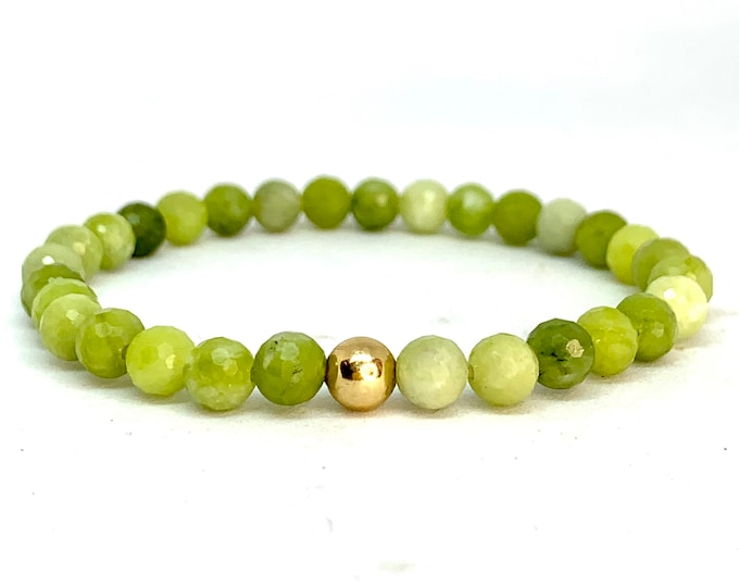 Natural Green Peridot Stack Bracelet- Green Gemstone Bracelet- Beaded Stretch Bracelet-8mm Natural Peridot- August Birthstone- Gift for Her