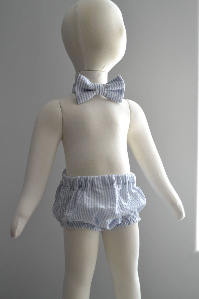 Smash Cake Outfit 12 Month Blue and White Seersucker Smash Cake Diaper Cover and Bow Tie Blue Stripes Seersucker Blue Stripes