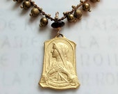Bracelet - Blessed Virgin Mary 18K Gold Vermeil - Genuine Garnet + Parisian Chain