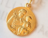 Medal - St Joseph with Baby Jesus 18mm - 18K Gold Vermeil
