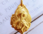 Medal - Blessed Virgin Mary 18x22mm - 18K Gold Vermeil