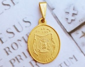 Medal - The Holy Face of Jesus Medal 19x22mm - 18K Gold Vermeil