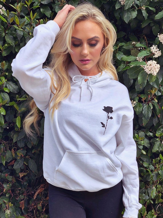 Crewneck Sweatshirts Women Fall Winter White Cute Aesthetic Tumblr Pullover Sweaters Oversized Plus Size Teen Girls White, Medium