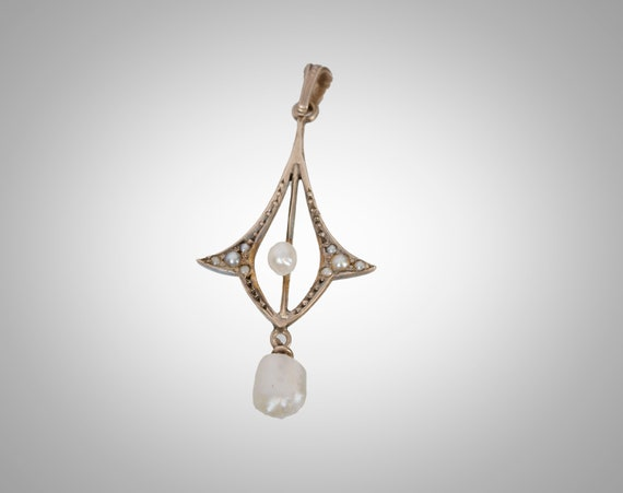 10k Victorian lavalier with pearls