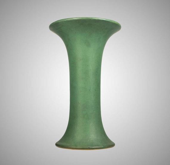 Roseville Matte Green Tall Waisted Vase 5 15 Etsy