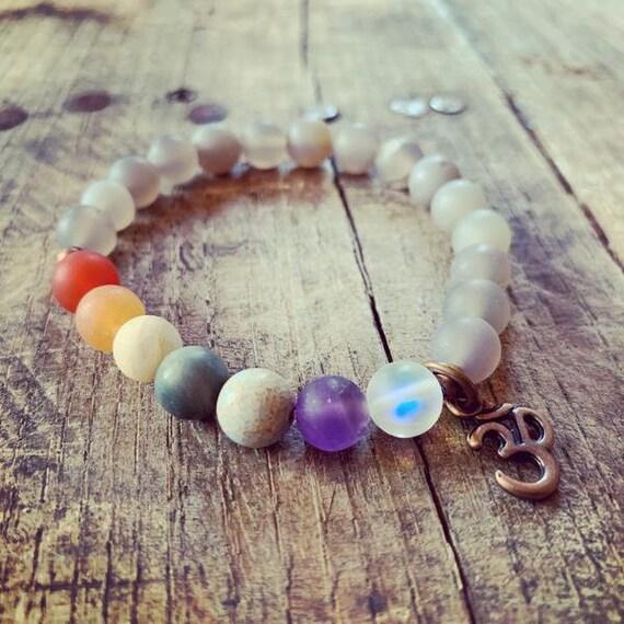 Chakra Bracelet with Om Charm, Yoga Bracelet, Meditation, Chakra Healing, Stretch Cord