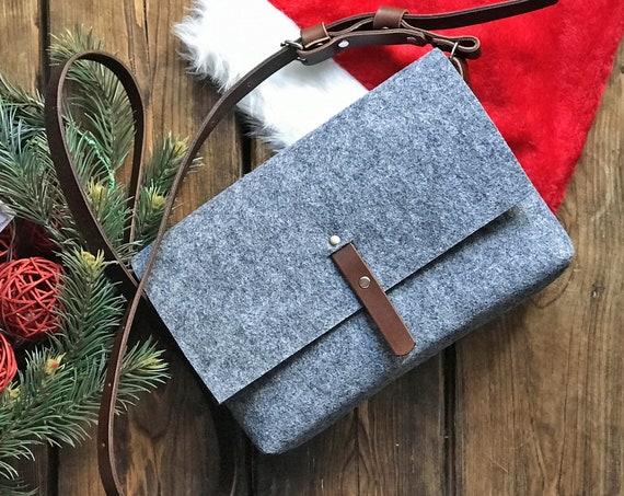 Crossbody felt purse with adjustable brown leather strap, Black Friday Sale 20%