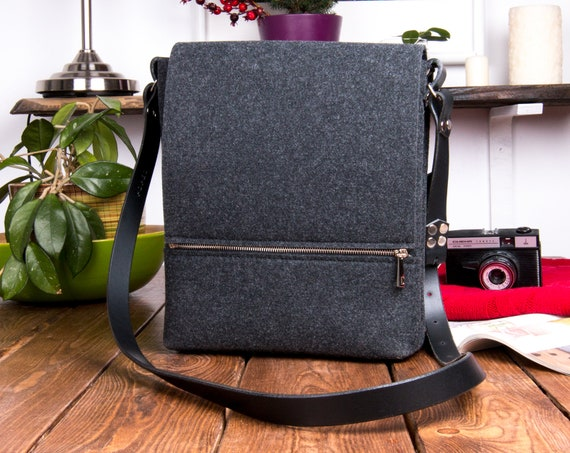 Leather messenger bag men, felt bag, laptop bag, macbook case, unisex crossbody bags, black leather, school bag, messenger bag women,