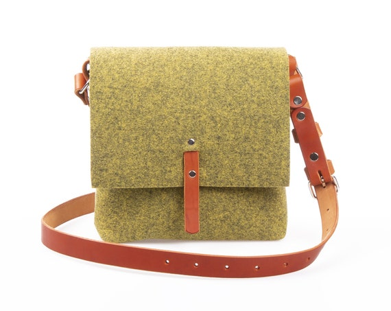 Green crossbody felt purse, felt bag, purses and bags, crossbody bags, small messenger bag for women, shoulder bag, crossbody leather bag