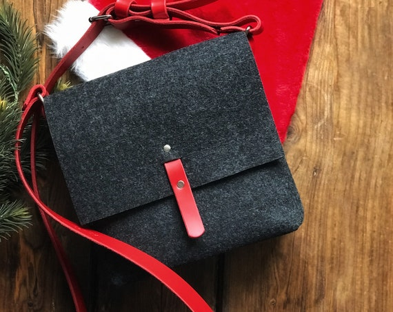 Felt handbag with free personalisation, Christmas gift for friend, Choose from multiple leather strap colors.