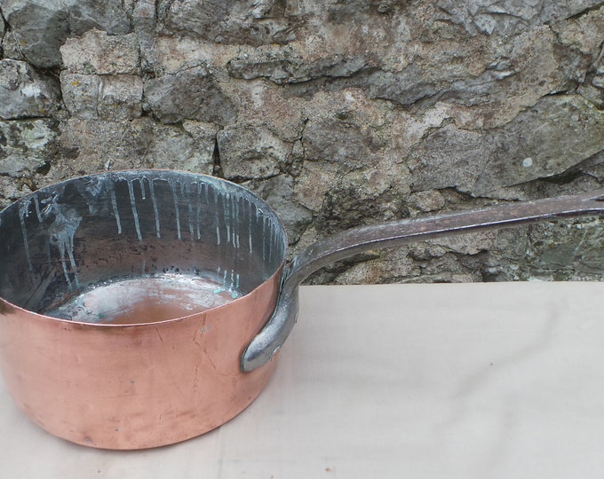 """Copper Pan 1.3mm Hammered Copper Saucepan Unrestored Sold As Found Unrefurbished Well Used 23cm 9"""" 2.08 Kilos 4lbs 9oz Quality Copper"""