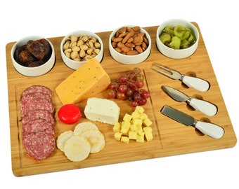 Engraved Cheese Cutting Board Monogrammed Fruit and Cheese Serving Board Wedding Gift Personalized Cutting Tray For Holidays Summer Gift