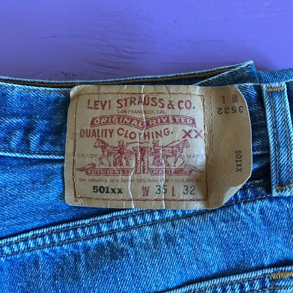 90s Levis 501 33 x 30 - Made in USA Levis Vintage… - image 1