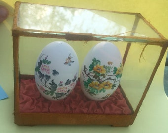 Three Chinese Hand Painted Eggs In Display Case Antiques