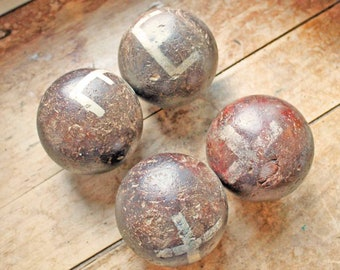 Beginning of 20th century Set of 4 antique petanque in wood /  Lawn bawls  made of wood with hand writing