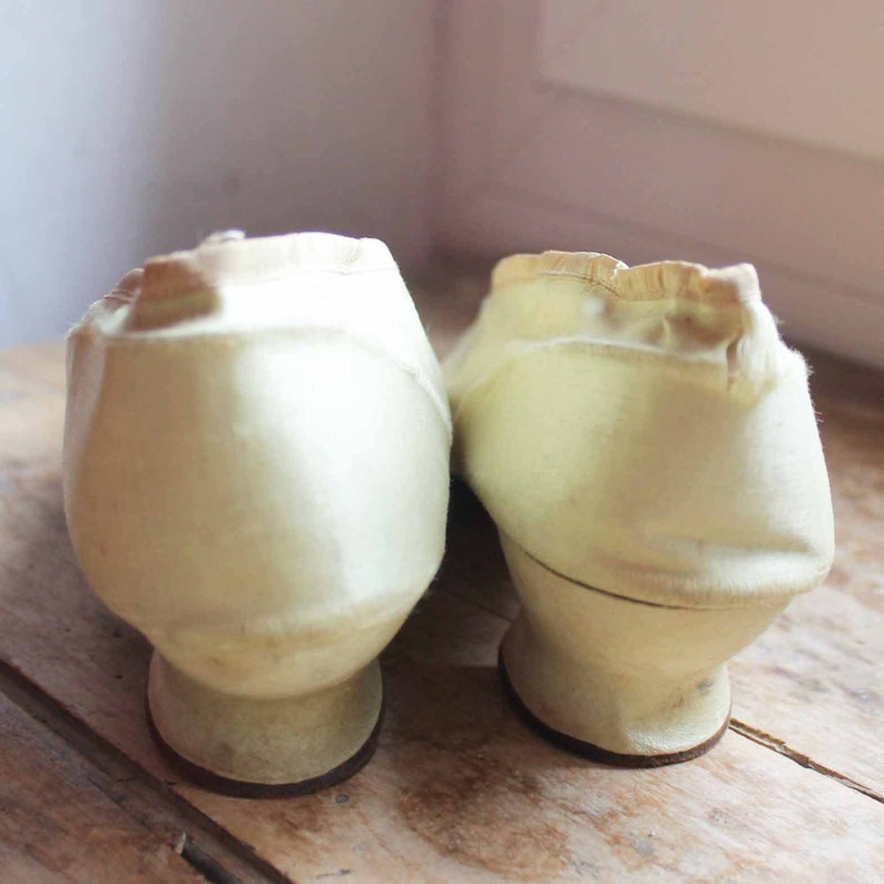Antique french silk high heel shoes  Mid 19th centurly pepper mint green silk shoes