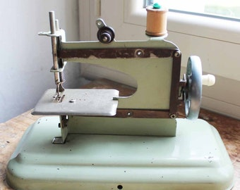 Vintage toy sewing machine  /1960's made in  France toy Sewing Machine metal /Miniature Sewing Machine
