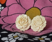 Retro Vintage 1940's Cream Off White Celluloid Plastic Molded Rose Flower Large Flat Silver Clip On Earrings