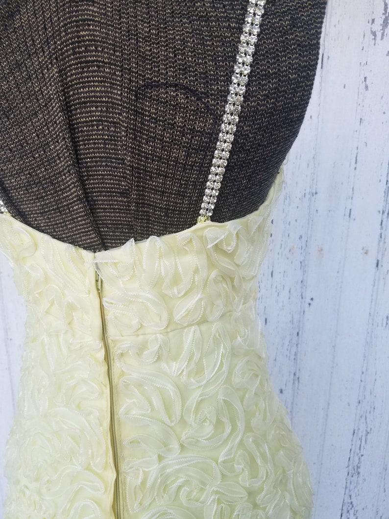 M Elegant Vintage 1960/'s Yellow Deep V Neckline Ruffle Detail Sleeveless Sheath Dress with Clear Rhinestone Spaghetti Straps Union