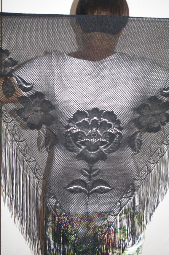 Black Polish triangle shawl flowers floral vintage