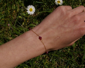 Ruby bracelet beads on yellow gold chain