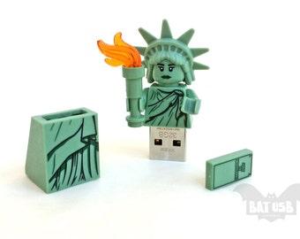 Lego usb minifigure 8/16/32/64GB - Memory Stick -  Lego® original Minifigure - Statue of Liberty Usa - Lego usb with legs cap - Collectible