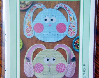 ALL EARS! Whimsical Easter Bunny Placemat Pattern  - Absolutely Adorable   NEW
