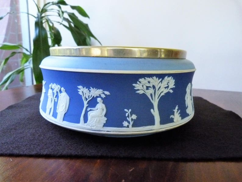 Wedgwood jasperware colors dates