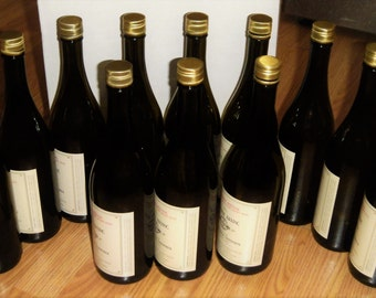 12 Wine bottles with screw-off caps