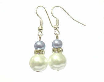 White and blue pearl earrings, white pearl earrings, blue pearl earrings, pearl earrings, drop earrings, dangle earrings, earrings