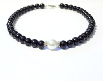Black and white pearl necklace, white necklace, black necklace, white pearl necklace, beaded necklace, bridesmaid necklace