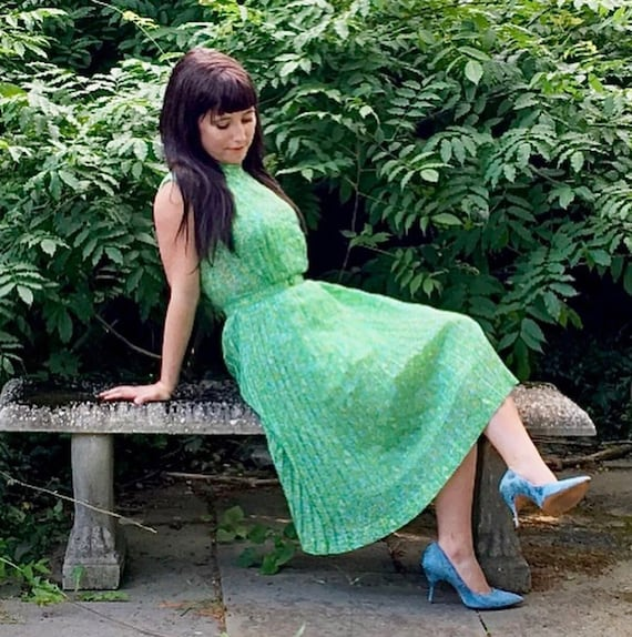 1950s Green and White Sheer Cotton Floral Dress w… - image 9