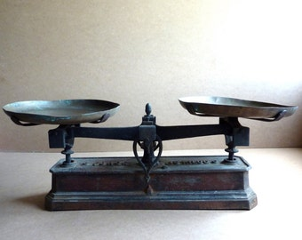 vintage french weighing scales, kitchen scales, country kitchen, balance scales