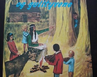 Norwegian Bobbsey Twins  The Cedar Camp Mystery The Bobbsey Twins Mid Century Norway