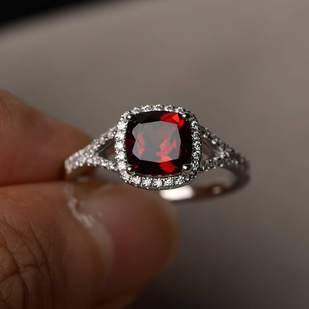 natural garnet ring promise ring january birthstone. Black Bedroom Furniture Sets. Home Design Ideas