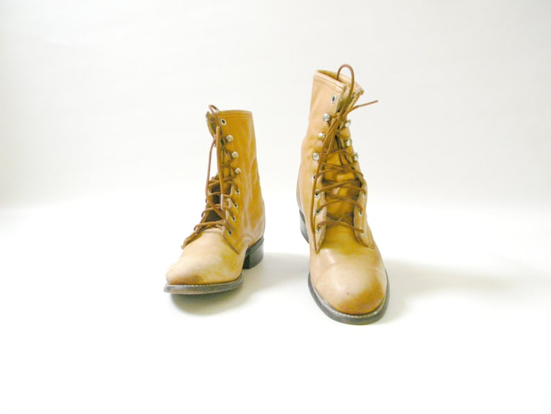 Womens Vintage Laredo Tan Leather Ankle Boots Size 6