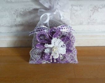 Small bag of lavender and bobbin lace