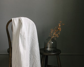 Muslin Blanket - Watercolor | Kailor | Off white and grey stripe | Exclusive print to Finn & Olive