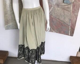 604b7ce516ff Vintage Geoffrey Beene Pleated Beige Cream Silk Black Lace Midi Skirt SZ  Small