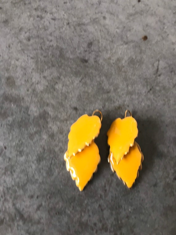 Vintage Marigold Yellow Enamel Leaf Dangle Earrin… - image 5