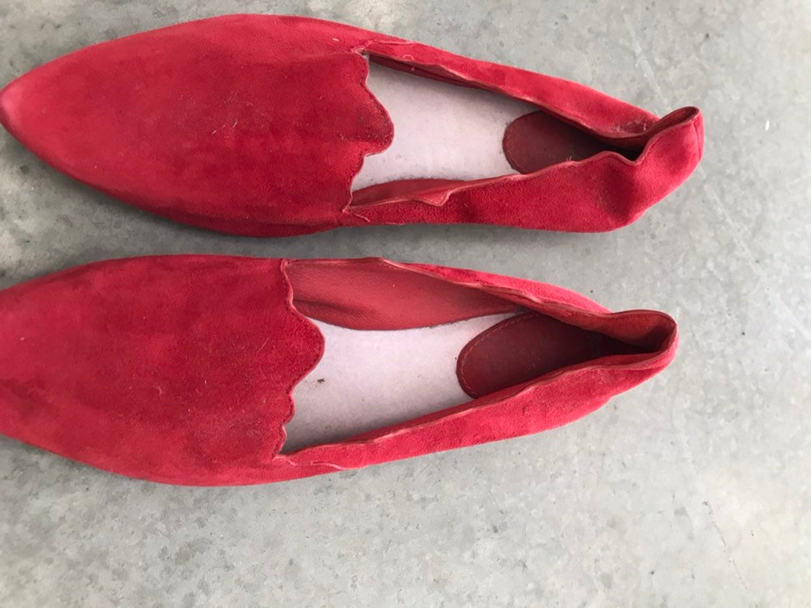 red suede leather scalloped edge ballet flats slippers sz 9m 9 m