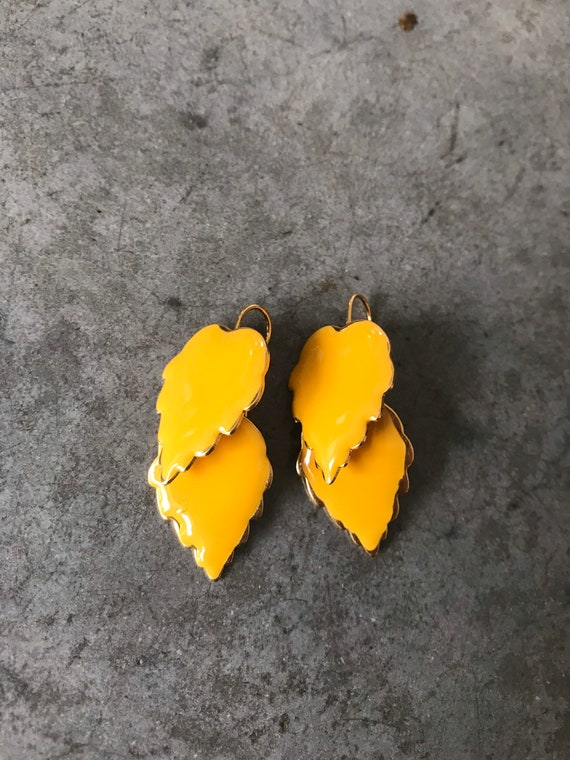 Vintage Marigold Yellow Enamel Leaf Dangle Earrin… - image 2