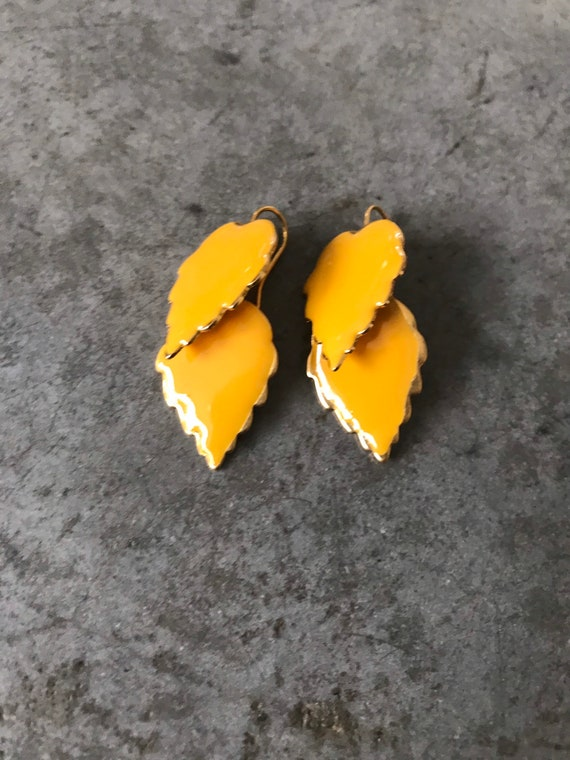 Vintage Marigold Yellow Enamel Leaf Dangle Earrin… - image 4