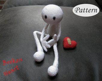 PATTERN - Broken Heart - Amigurumi - Crochet Doll - Photo Tutorial - PDF