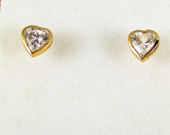 6mm 375 9ct Yellow Gold Dolphin White Cubic Zirconia Kids Stud Studs Earrings