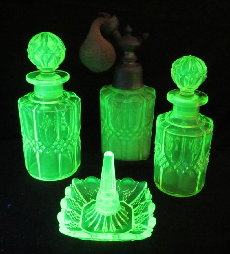 f02ab5ca371 Antique vaseline uranium glass vanity set lovely dressing