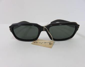 6ece21d0cf6a Vintage Black Plastic Horn Rim Sunglasses Japan Bakelite Two Dot Japanese  Retro Hipster Funky