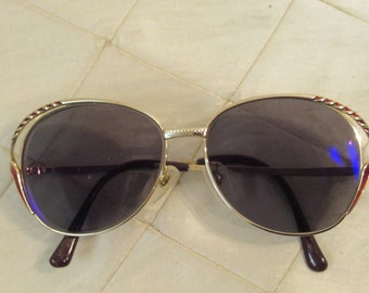154574d7f03a2 Vintage 80s Sunglasses Gold Wire Framed Metal Glamorous