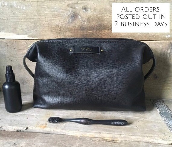 Men s Large Leather Wash bag Personalised Toiletry Bag  070dd9051eadd